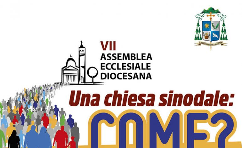 il logo dell'assemblea che contiene uN chieda con un popolo e lA SCRITTA: UNA CHIESSA DINODALE: COME?
